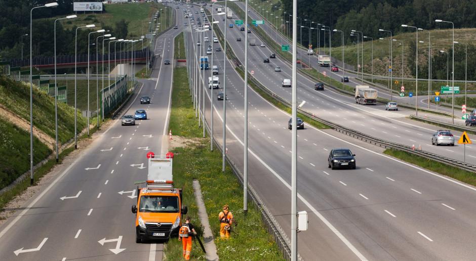 Oczyszczą, odśnieżą i dbać będą o znaki na drogach koło Gdańska