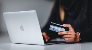 Bank kasuje kredyty dla wszystkich klientów