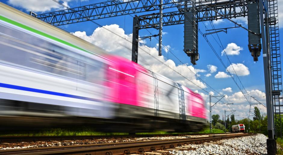Prąd z magazynu napędzi pociągi. Kolej stawia na baterie litowo-jonowe