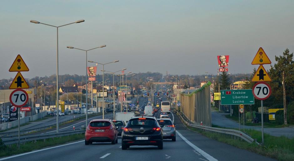 Plan zaostrzenia emisji CO2 uśmierci samochody spalinowe