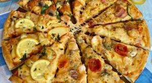 Obraża zarówno Anglię, jak i Włochy. Domino's przeprasza za pizzę fish&chips