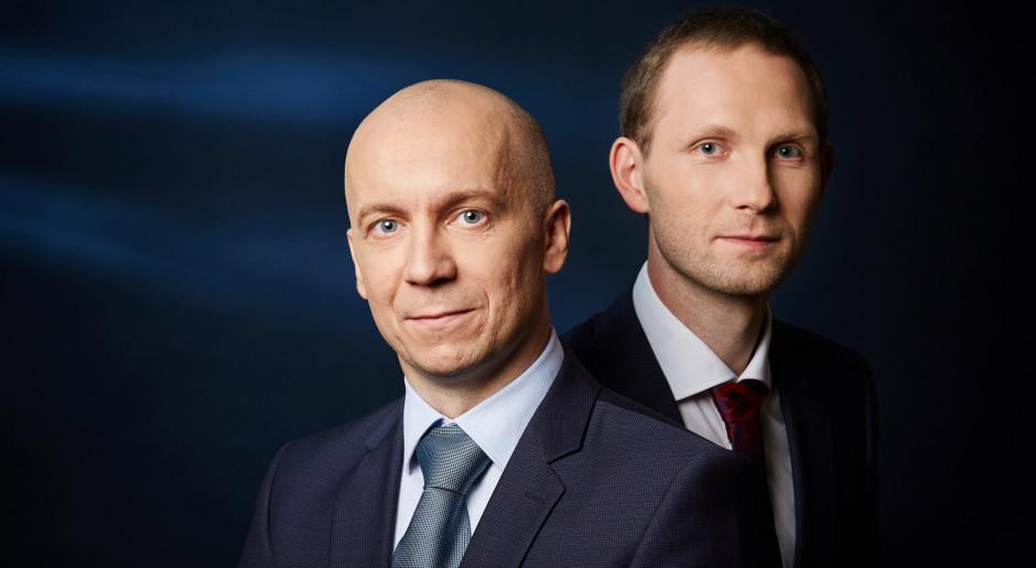 Mateusz Bański i Artur Podhorecki założyciele spółki QNA Technology, fot. QNA Technology