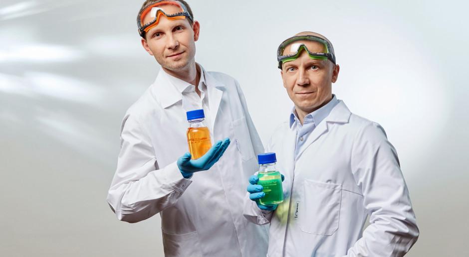 Artur Podhorecki i Mateusz Bański, fot. QNA Technology