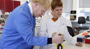Soros i Gates inwestują miliardy w producenta testów na COVID-19