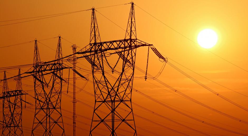 Polska sprzedaje więcej prądu za granicą. Za to import wyraźnie zmalał