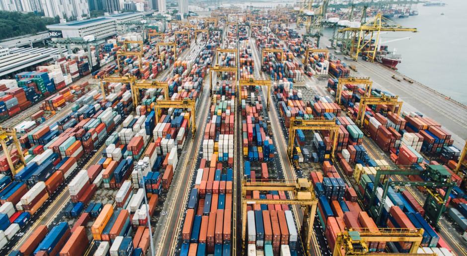 Globalny eksport zmalał, ale Polska radzi sobie całkiem dobrze