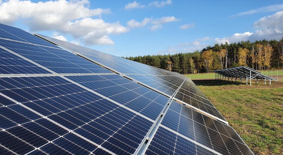 Elektrownie słoneczne R.Power z finansowaniem na 242 mln zł