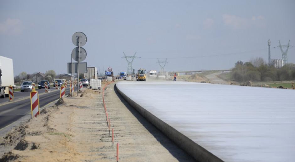 Trwa betonowanie drugiej jezdni odcinka nowej autostrady A1 w woj. śląskim