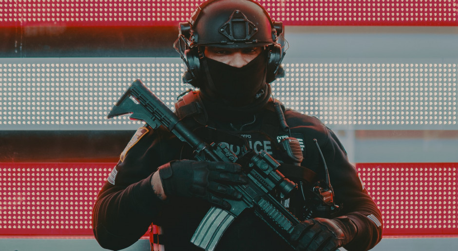 USA: Policja przesiewa tony gruzu po zawalonym apartamentowcu na Florydzie
