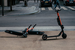 Nie ma dopłat do zakupu elektrycznych rowerów i e-hulajnóg