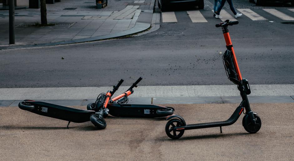 NFOŚiGW: Aktualnie nie ma dopłat do zakupu elektrycznych rowerów i e-hulajnóg