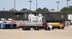 Na amerykańskich lotniskach zaczyna brakować paliwa