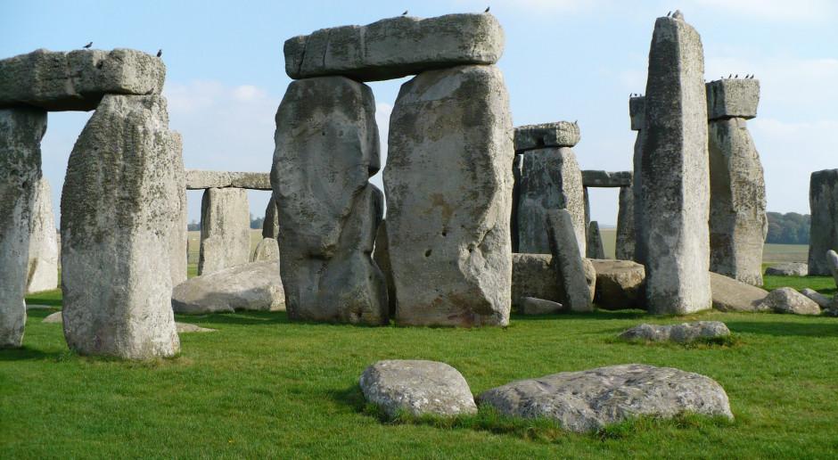 Wielka Brytania: Sąd: Decyzja o budowie tunelu pod Stonehenge niezgodna z prawem