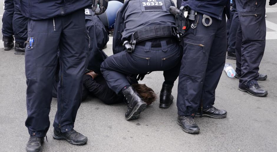 Niemcy: Pomimo zakazu koronasceptycy demonstrują w Berlinie, doszło do starć z policją