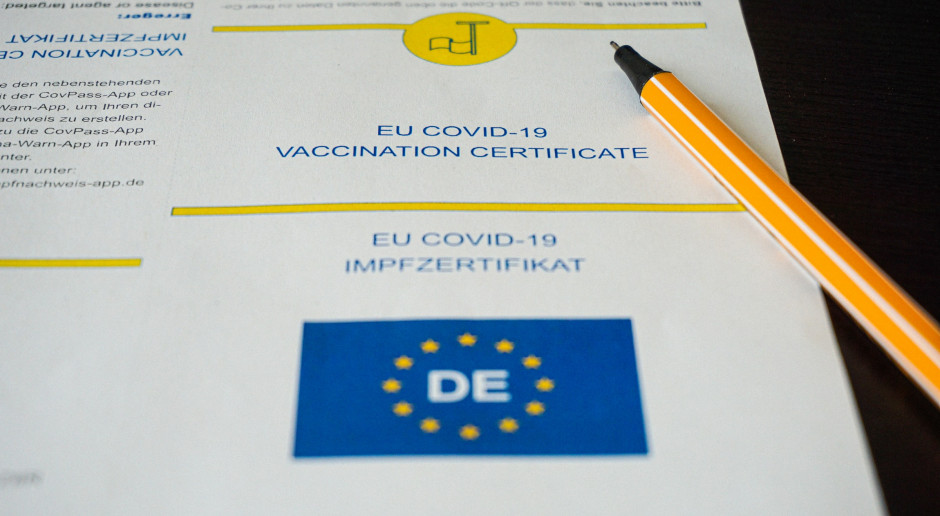 Niemcy: Media: Rząd zaleci szczepienie dzieci w wieku 12-17 lat i trzecią dawkę dla seniorów