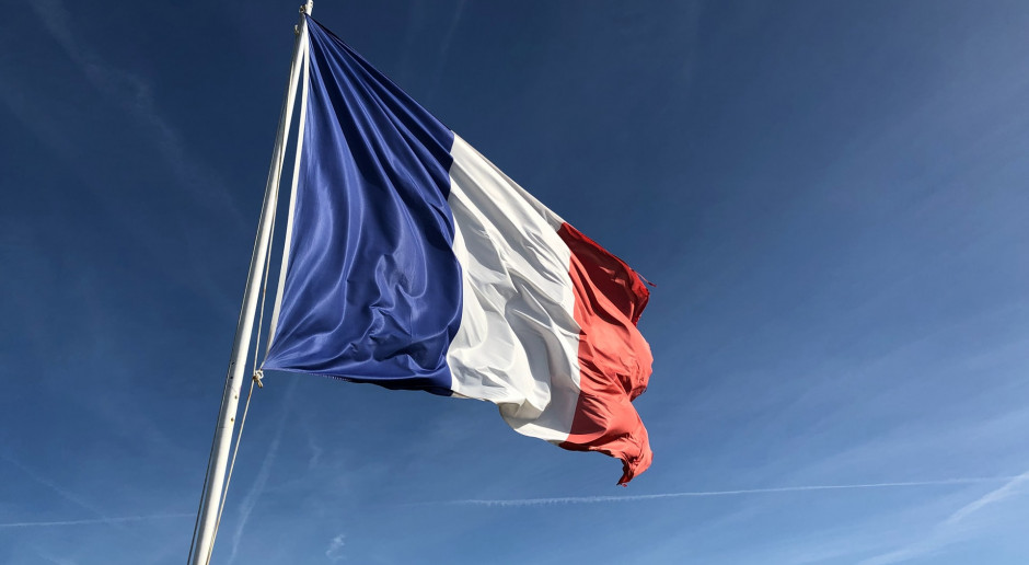 Francja: Ponad 1500 pacjentów na oddziałach intensywnej terapii, wzrost o 500 w ciągu tygodnia