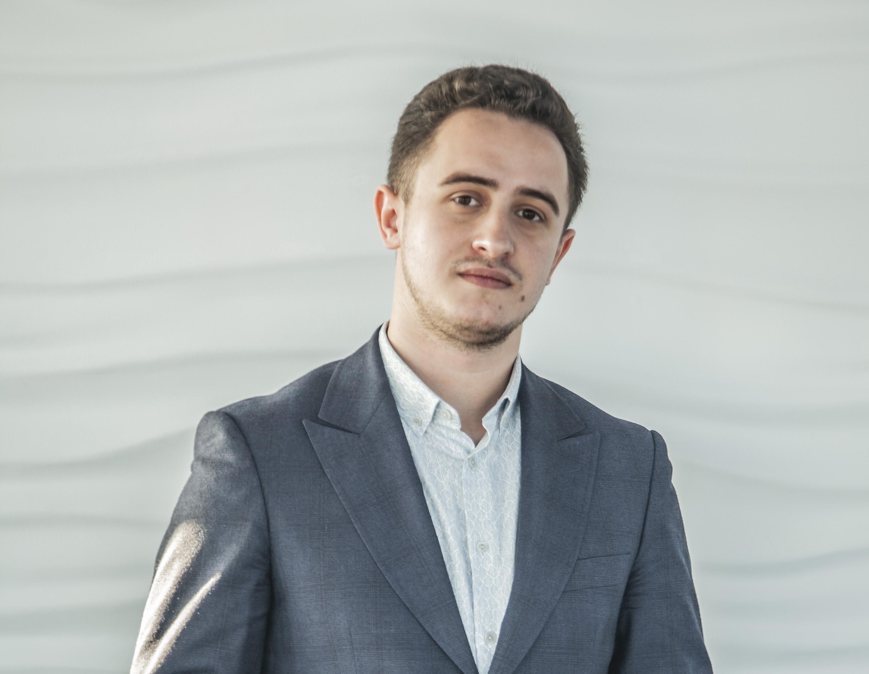 Szymon Adamczyk, specjalista ds. analiz wynagrodzeń (fot. mat. pras.)