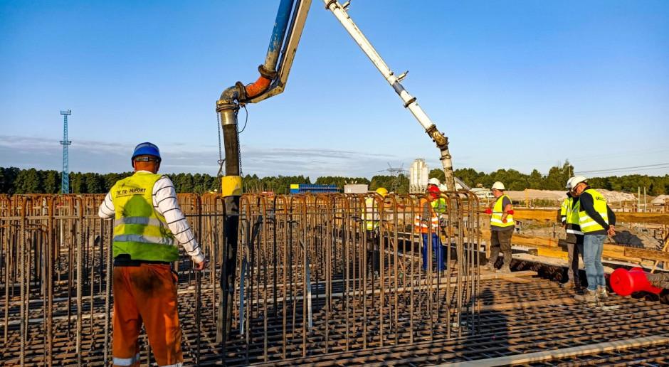 Betonowy kamień milowy w budowie bloków gazowych w Dolnej Odrze