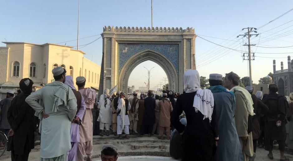 Afganistan: Talibowie: Wchodzimy do Kabulu, aby zapewnić bezpieczeństwo i przeciwdziałać chaosowi