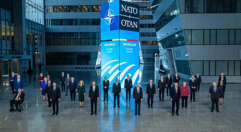 NATO zachowa obecność dyplomatyczną w Afganistanie mimo postępów ofensywy Talibów