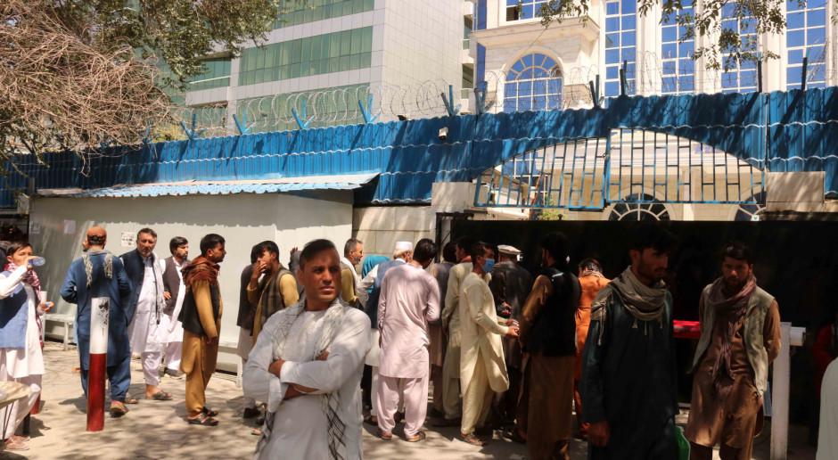 Afganistan: W Kabulu ponownie otworzono banki; pierwszy raz od ponad tygodnia