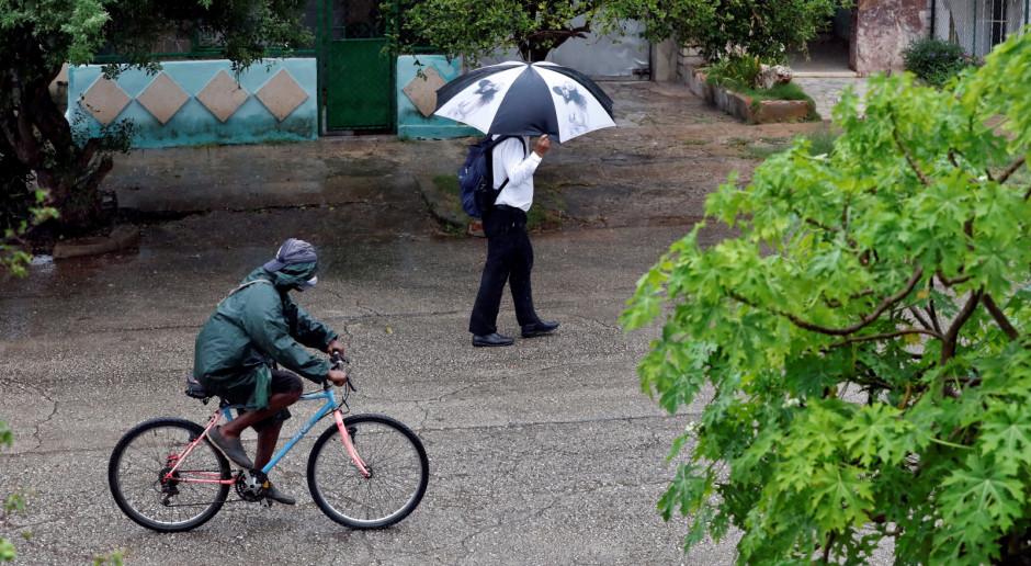 USA: Huragan Ida gwałtownie przybiera na sile, grożąc powodziami i tornadami