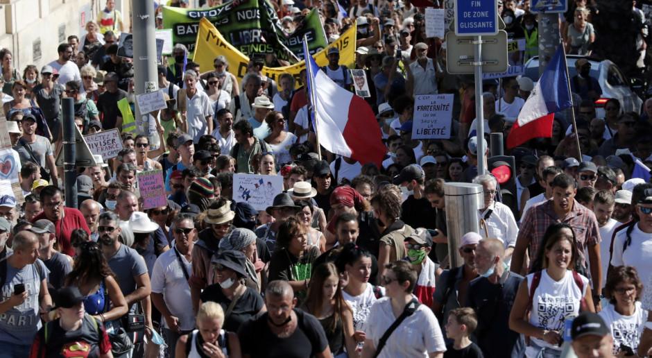 Francja: MSW: Około 160 tys. osób protestowało przeciwko paszportom sanitarnym