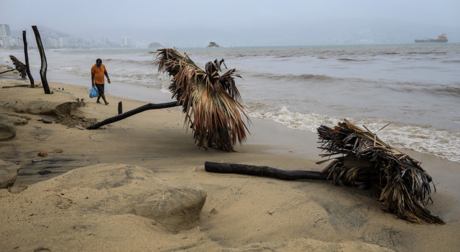 Meksyk: W zachodnie wybrzeże uderzył huragan Nora
