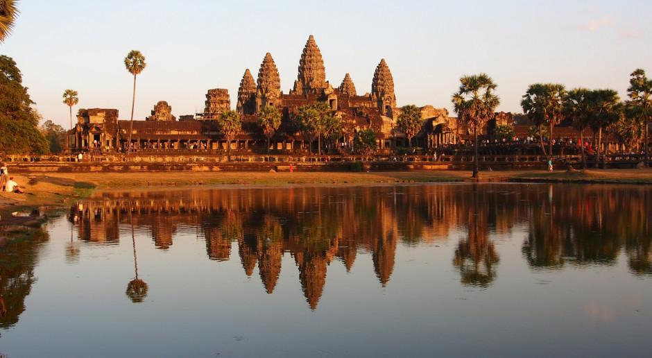 Kambodża: Eksperci sprawdzą, czy budowana w Tajlandii świątynia jest kopią Angkor Wat