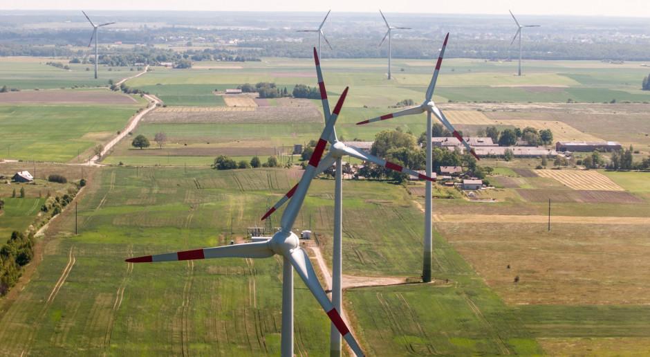 Litwini zarabiają na prądzie dla Polski i Łotwy