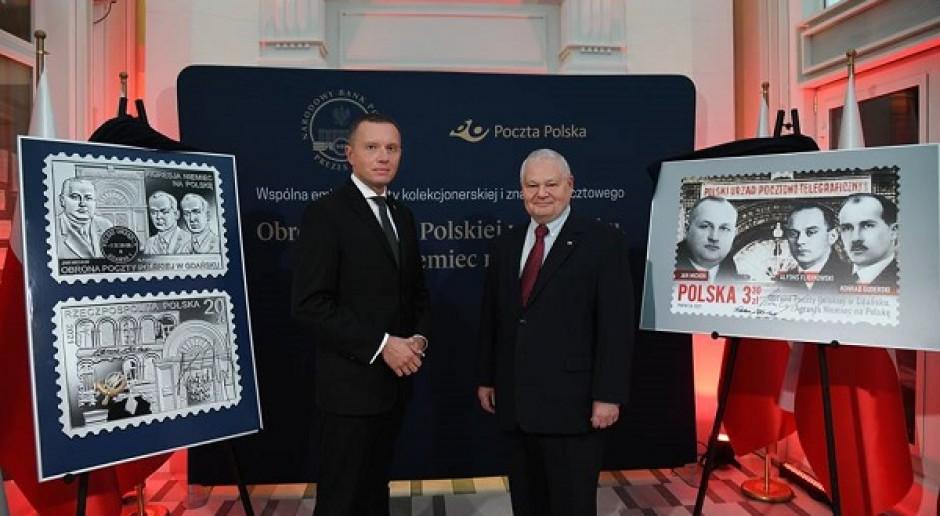 Poczta Polska i NBP upamiętniły gdańskich pocztowców znaczkiem i srebrną monetą kolekcjonerską