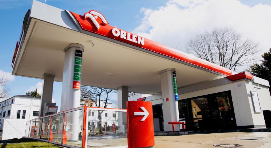 PKN Orlen planuje budowę mikroinstalacji fotowoltaicznych na wiatach i dachach 30 stacji paliw