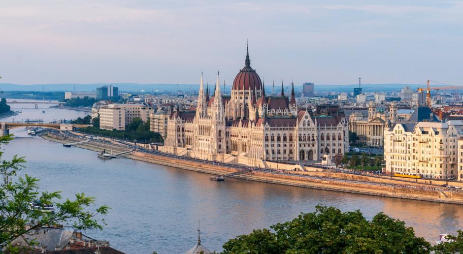 Węgry: Rząd przedłużył stan kryzysowy spowodowany masową imigracją