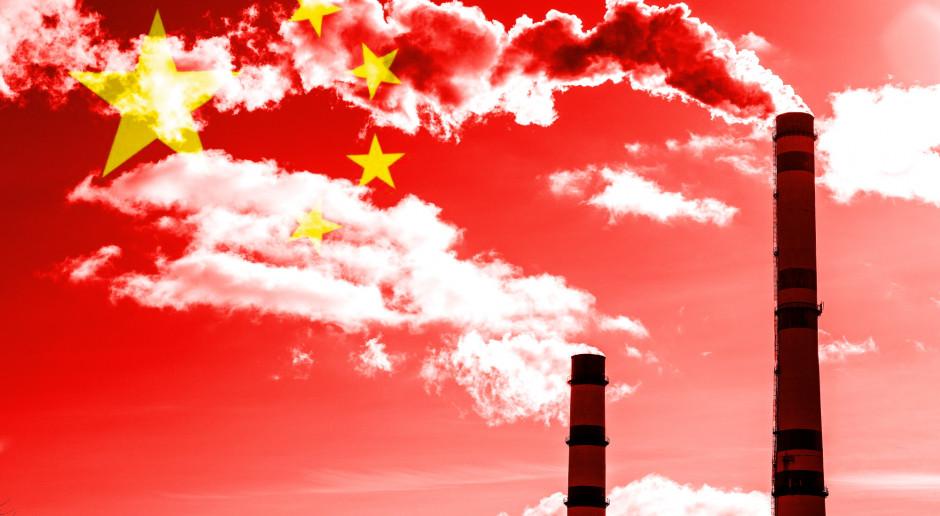 Globalna emisja CO2 znów rośnie - jedną trzecią emitują Chiny