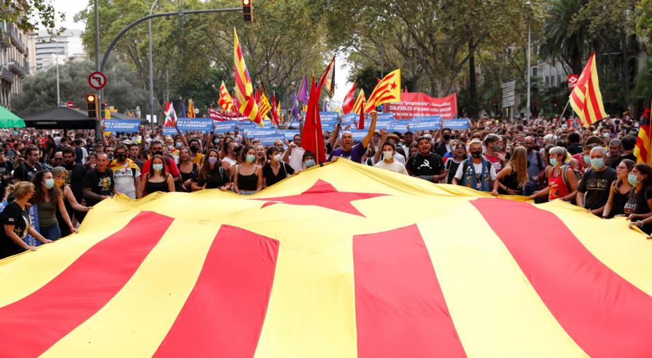 Hiszpania: Kilkadziesiąt tysięcy ludzi na ulicach Barcelony z okazji święta Katalonii