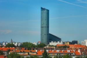 Jeden z najwyższych budynków w Polsce idzie pod młotek