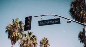 USA: Mieszkańcy Kalifornii chronią swoje domy przed pożarami aluminiowymi osłonami