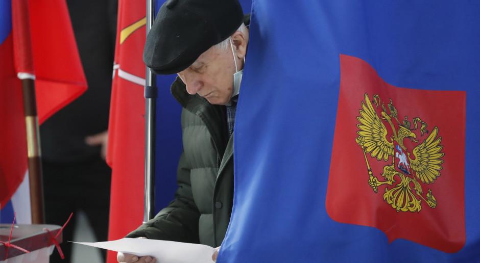 Rosja: Niezależni obserwatorzy wskazują na problemy z ochroną kart do głosowania