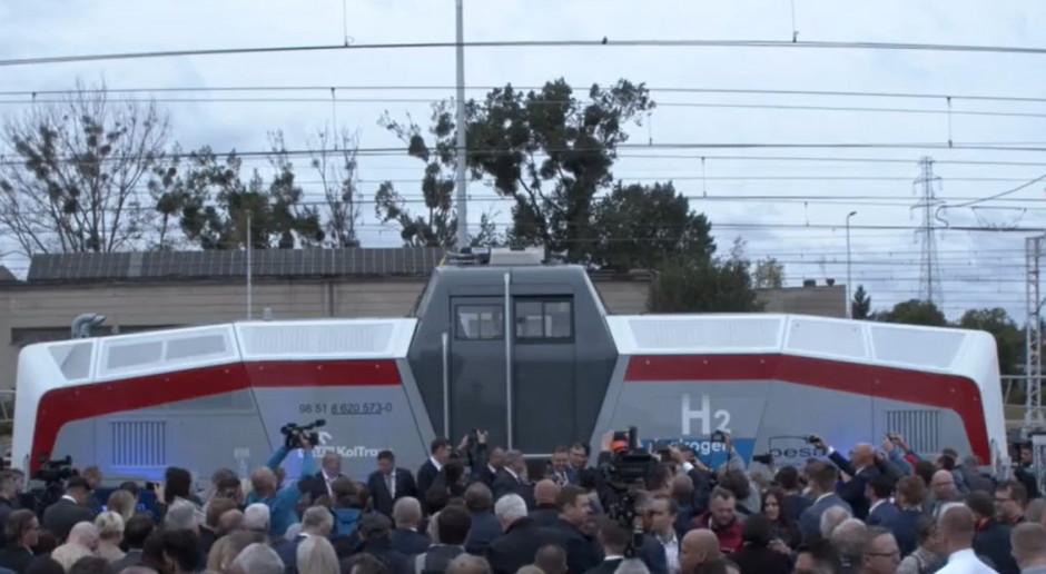 Gdańsk: Pokaz drugiej na świecie lokomotywy na wodór wyprodukowanej w Pesie