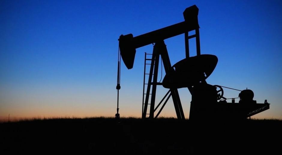 Ropa mocno drożeje po spadku jej zapasów