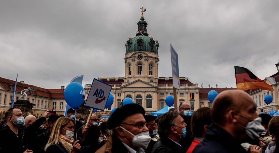 Niemcy: W niedzielę wybory do Bundestagu, w sondażach SPD z minimalną przewagą nad CDU: CSU