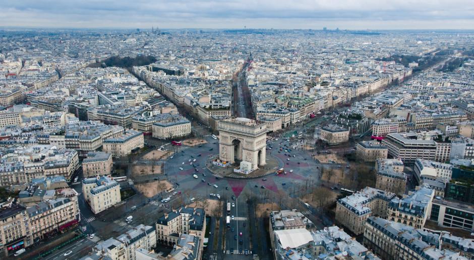 Francja: Kilkadziesiąt tysięcy osób protestowało przeciwko certyfikatom sanitarnym