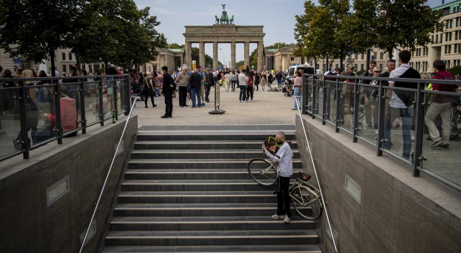 Niemcy: W Berlinie chaos wyborczy m.in. brak kart do głosowania i korki z powodu maratonu
