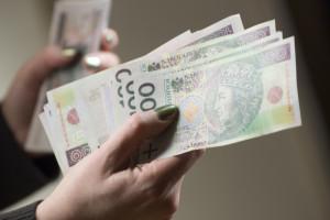 Fintechy, bitcoiny a Polacy i tak kochają gotówkę