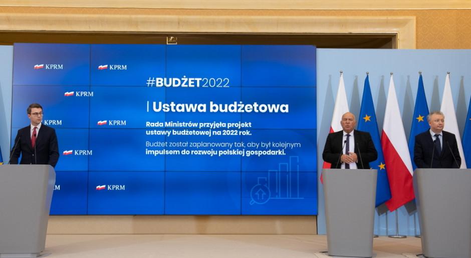 Rząd przyjął projekt budżetu na 2022 r. ze sporą dziurą budżetową