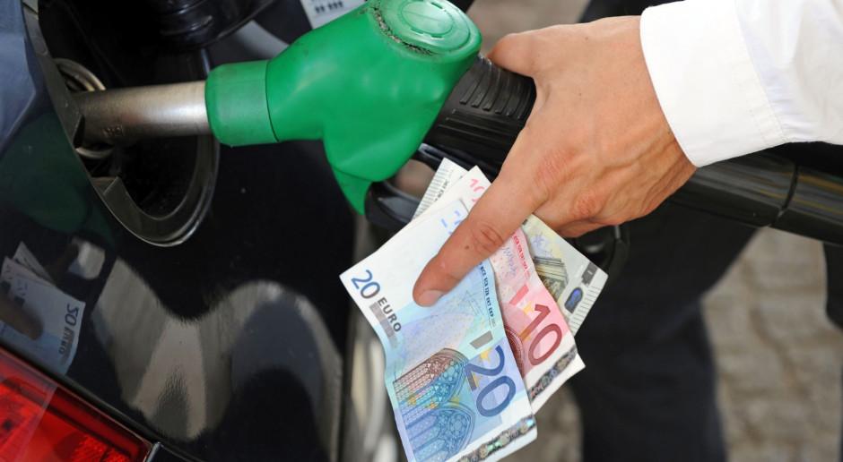 W Holandii cena benzyny powyżej 2 euro, Holendrzy tankują u sąsiadów