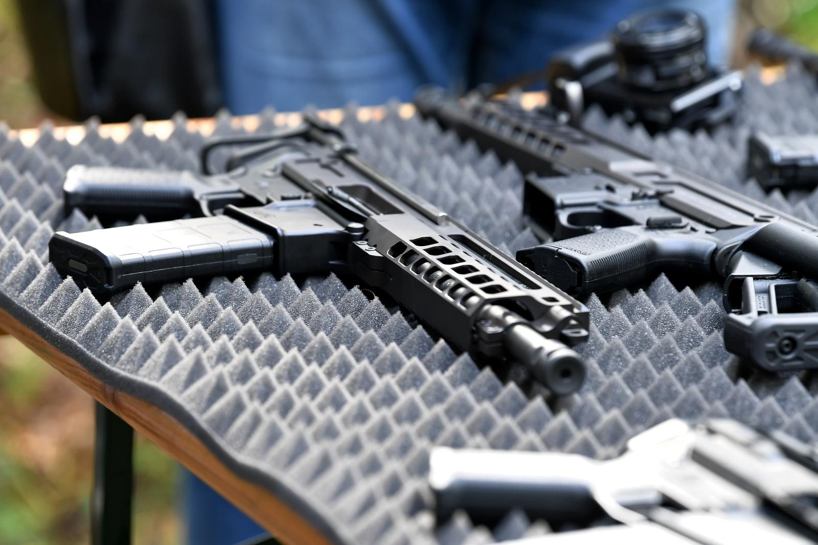 Masa broni wynosi niespełna 3 kg. Podzespoły zostały wykonane z wysokiej jakości stopów aluminium, stali, a także tytanu Fot PAP/Piotr Polak