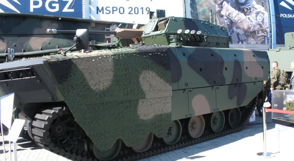 Borsuk, bojowy pływający wóz piechoty w kamuflażu z Lubawy, ma zastąpić BWP-1, fot. WK/PTWP