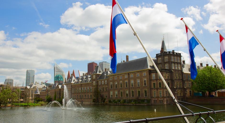 Firmy pogrzebowe w Holandii muszą zamawiać większe trumny