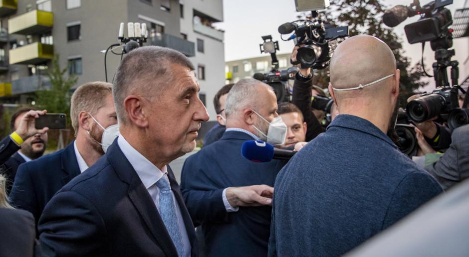 Czechy: Opozycyjna SPOLU o włos przed ruchem Babisza w wyborach do Izby Poselskiej